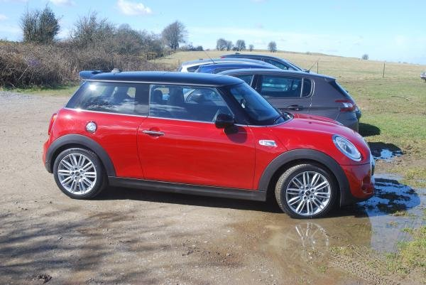 Showcase cover image for Andrew Hebron's 2016 Mini Cooper S
